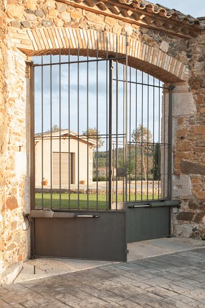 CABRATOSA-portal-masia-llagostera-1